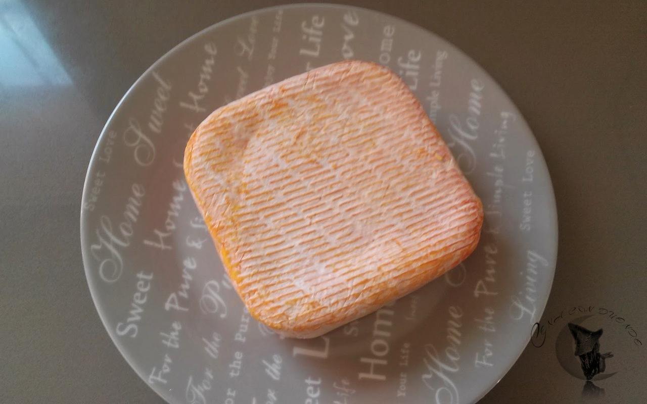 queso cremoso en hojaldre