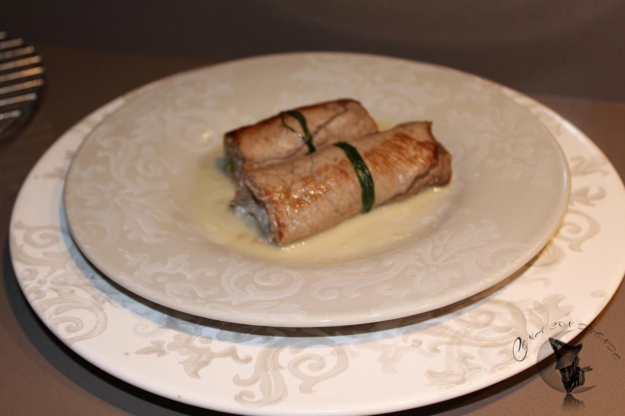 Rollito de ternera relleno de queso y espárragos