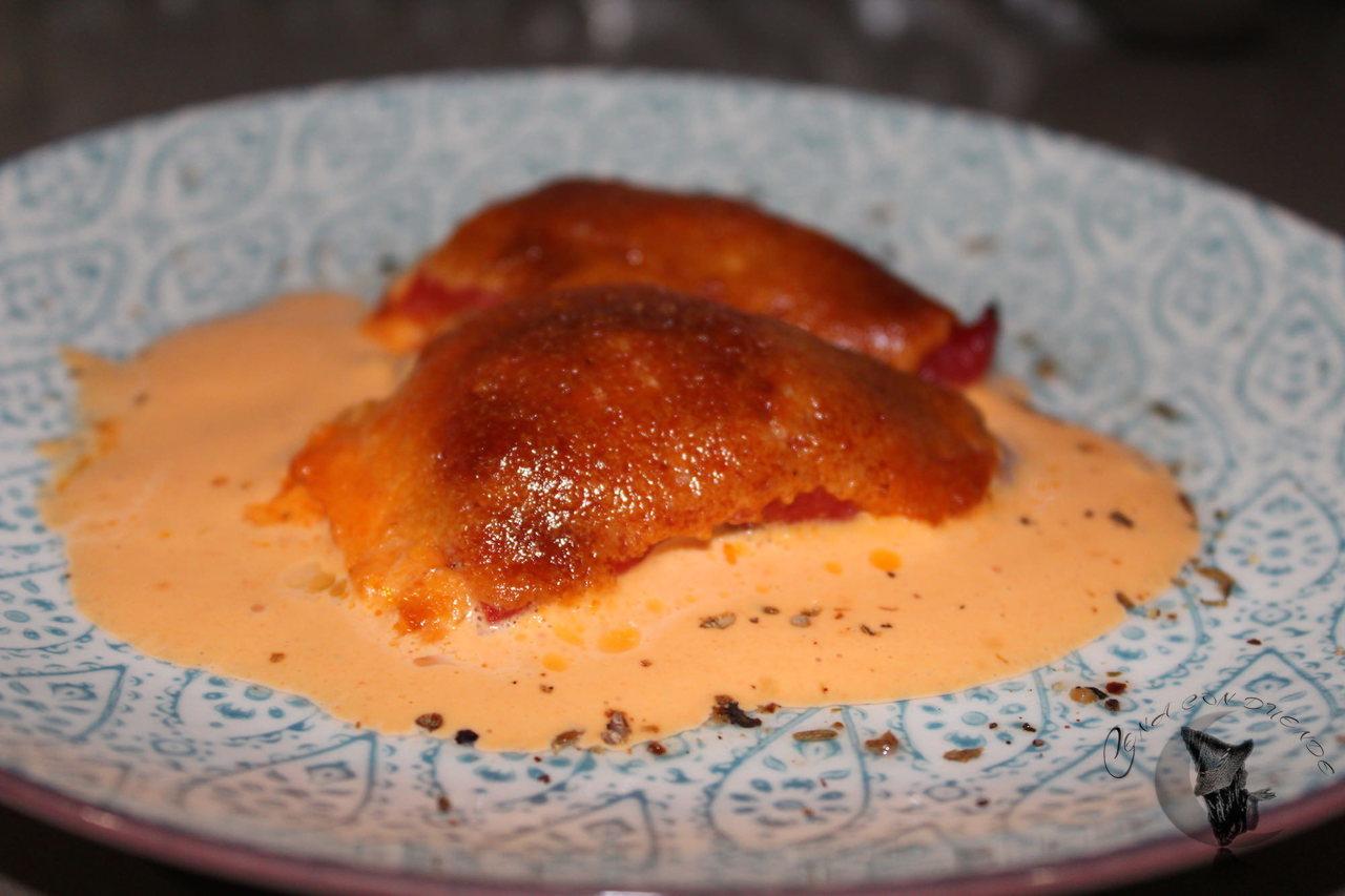 Pimientos del piquillo relleno de solomillo y queso.