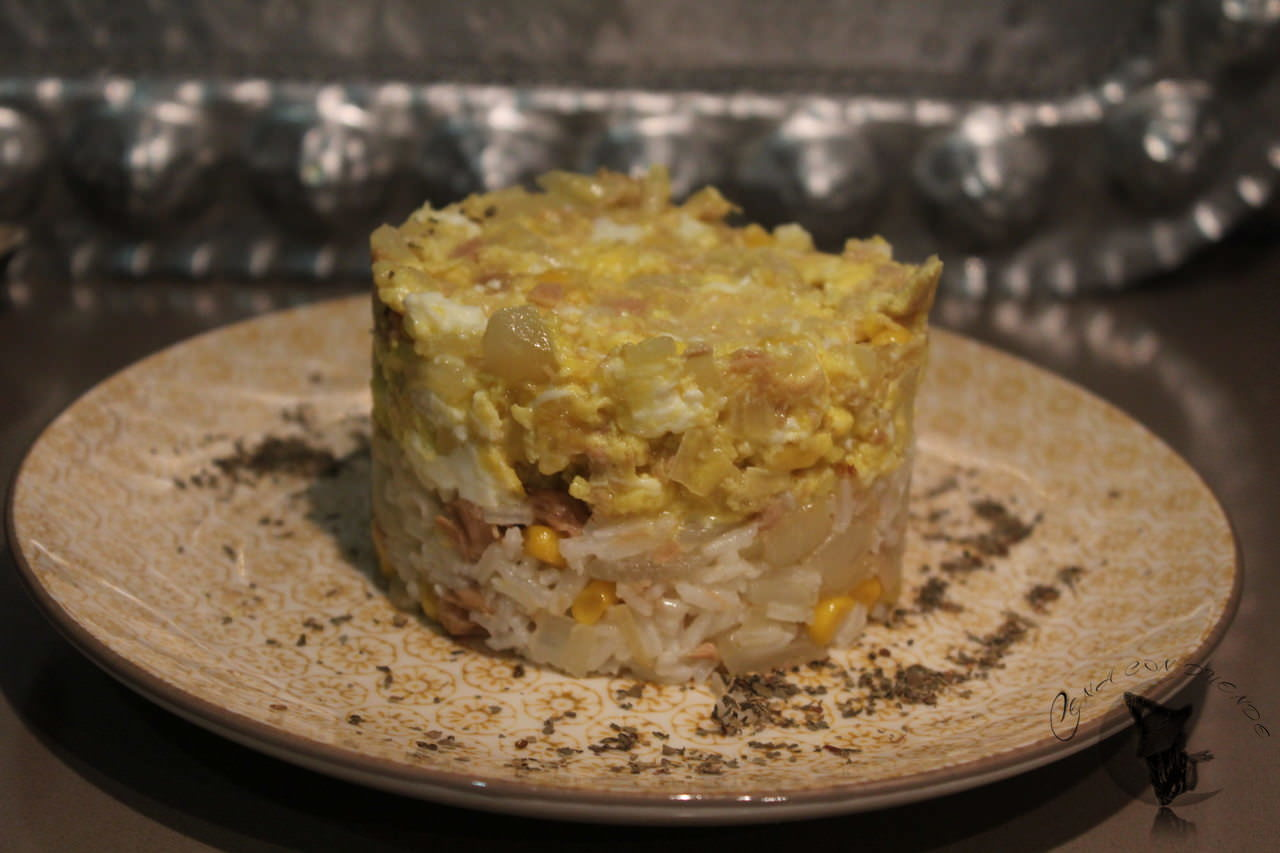 Mixto de revuelto y arroz, con atún.