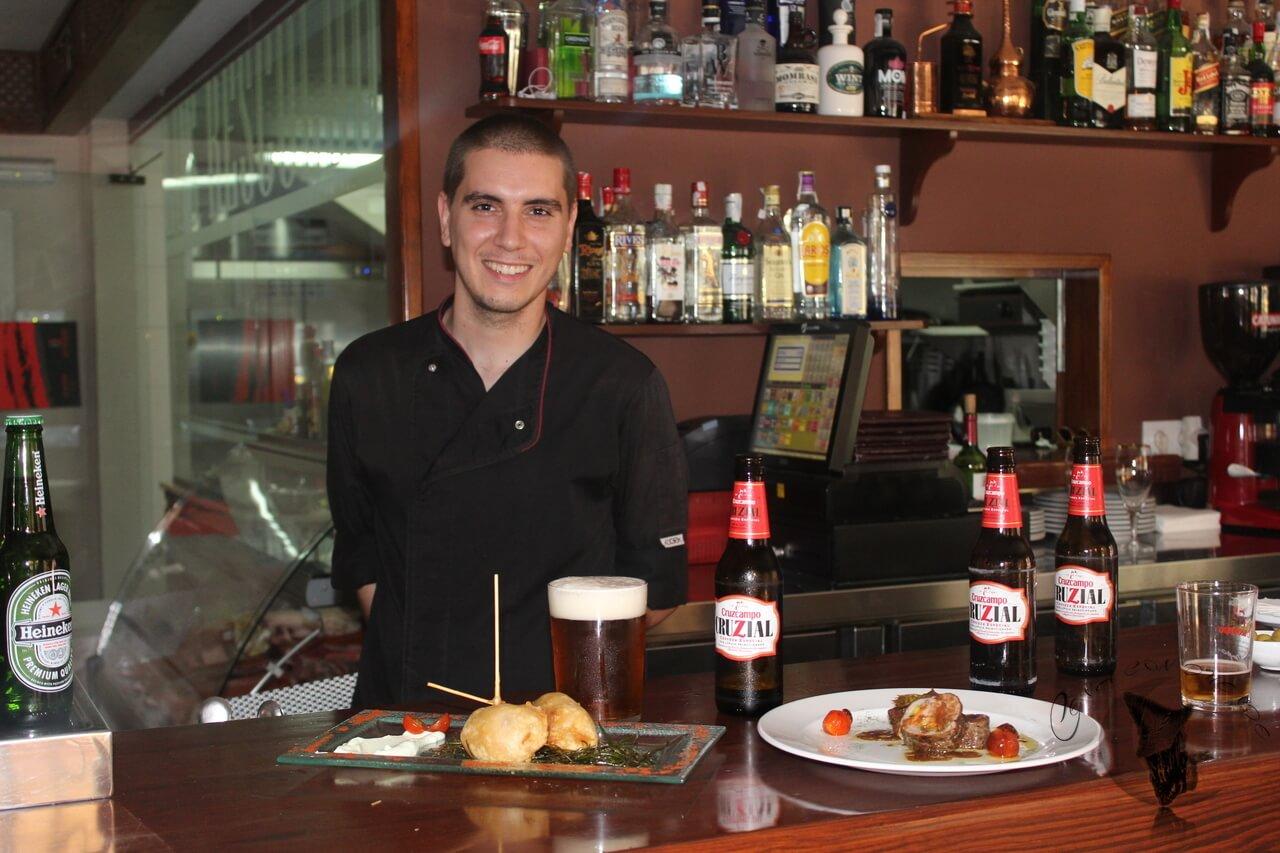 Maridaje de Cruzcampo Cruzial de la mano del Chef Daniel Ramírez, en Los Rescoldos.