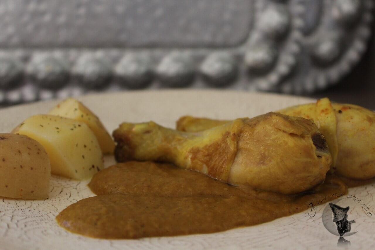Pollo en Salsa de Verduras y Ciruelas