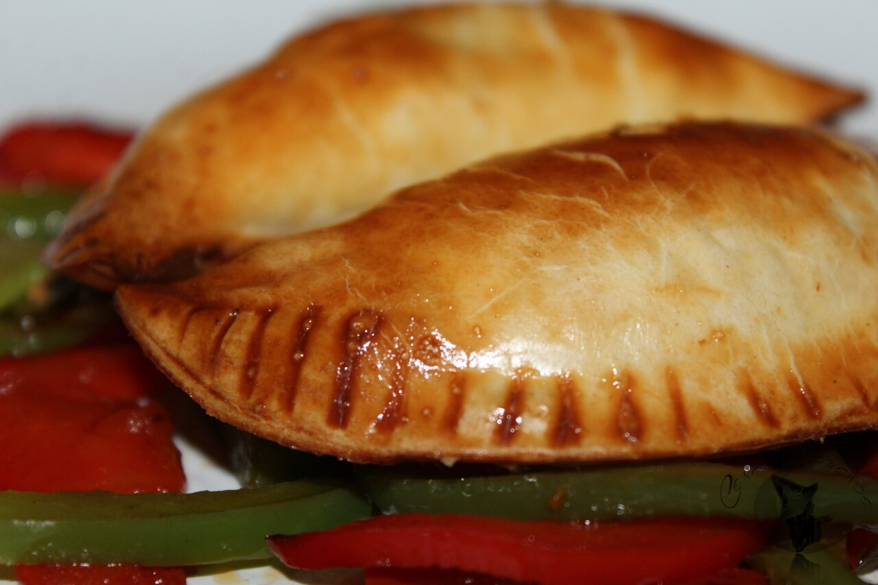 Empanadillas de hummus y ternera.