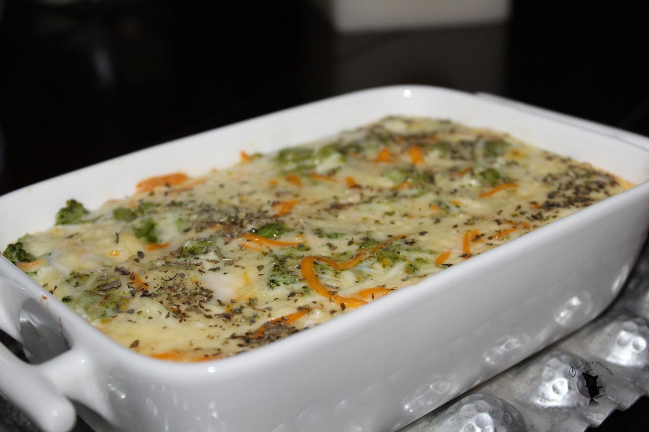 Parmentier con brócoli, cebolla y manzana caramelizada.
