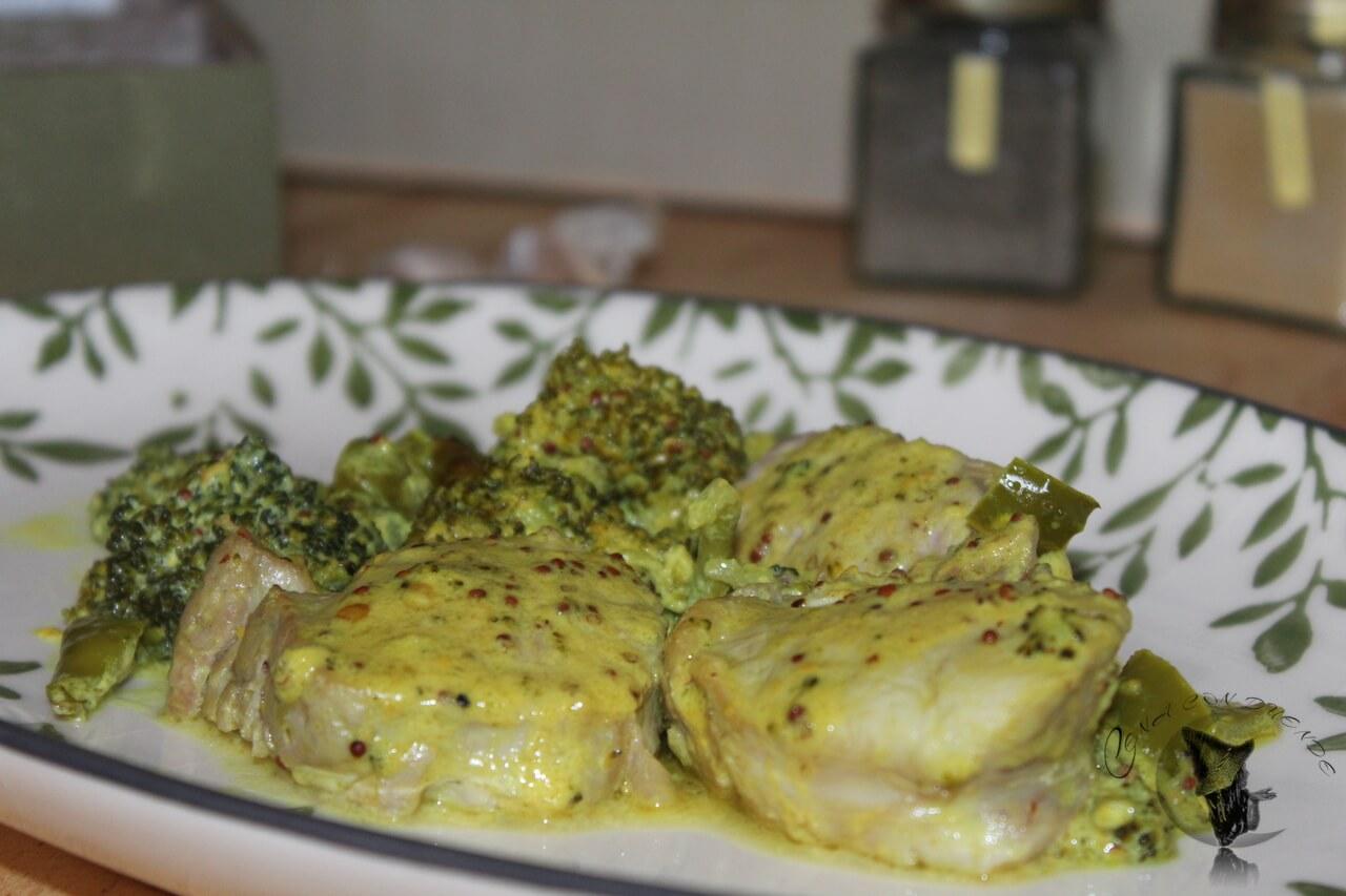 Solomillo y brócoli en salsa de mostaza.