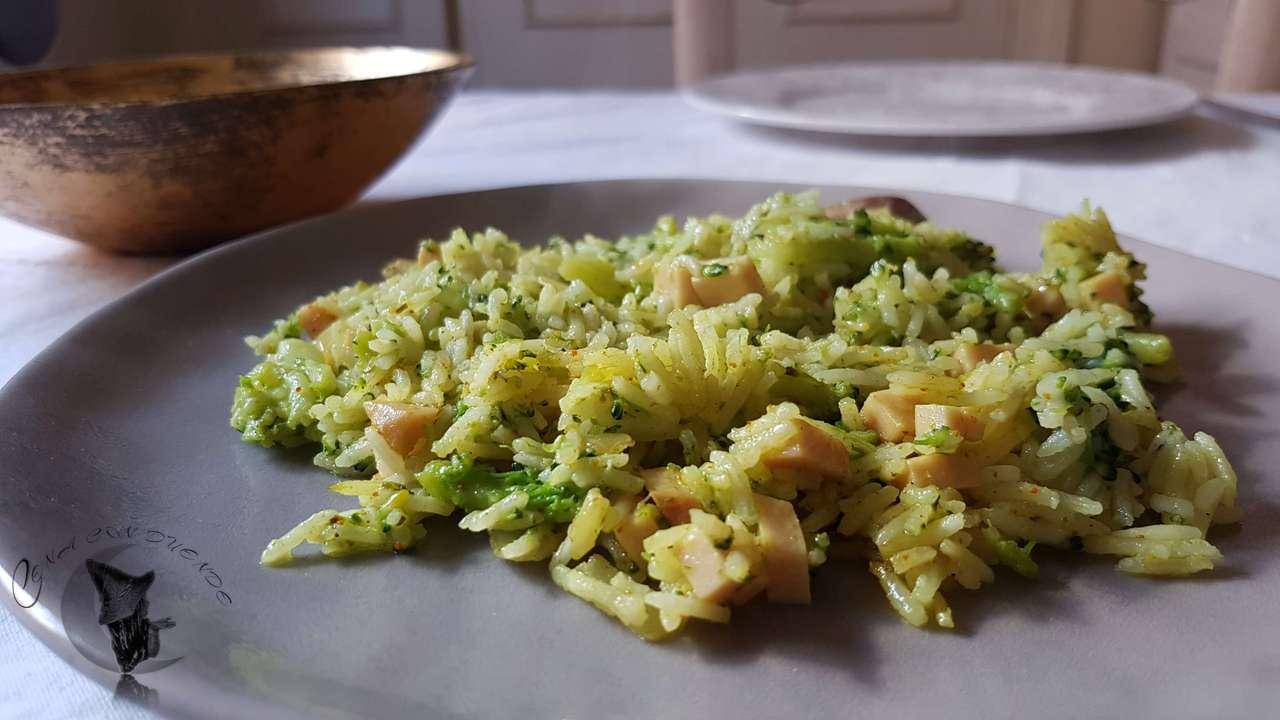 Arroz con brócoli y pavo.
