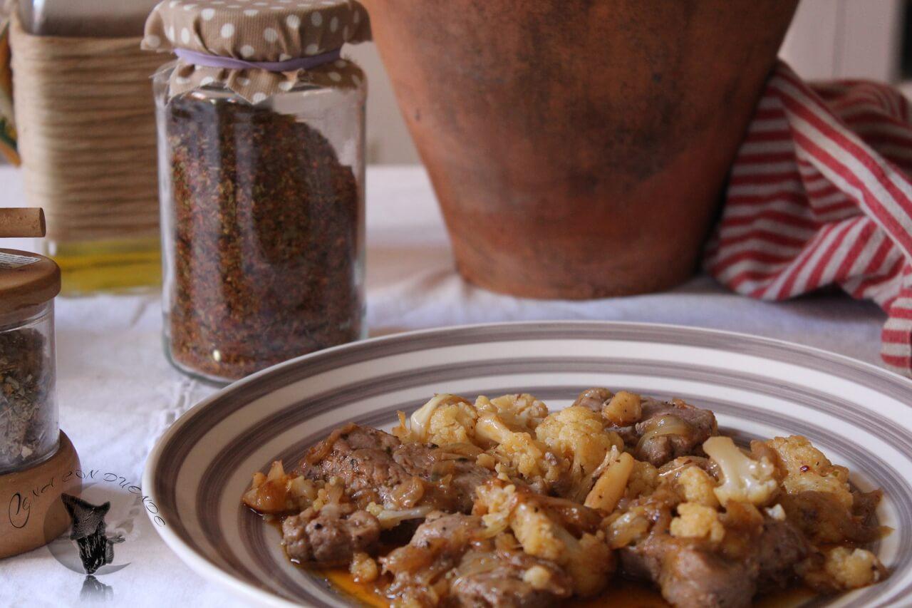 Solomillo y coliflor al chimichurri.
