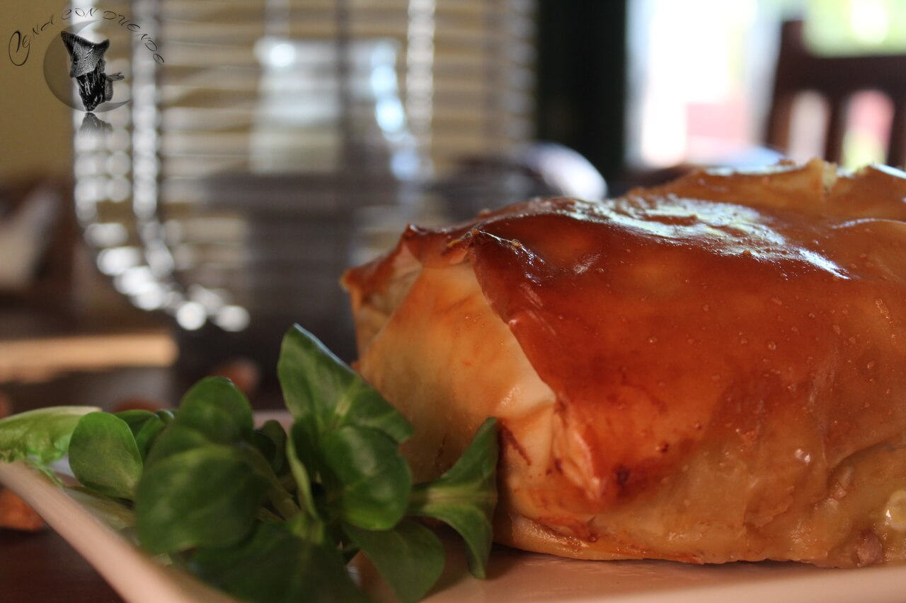 Pastel de carne, con almendras, calabaza, boniato y ciruelas.
